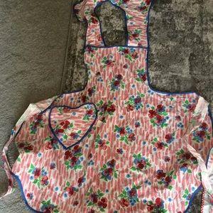 Accessories - Vintage aprons